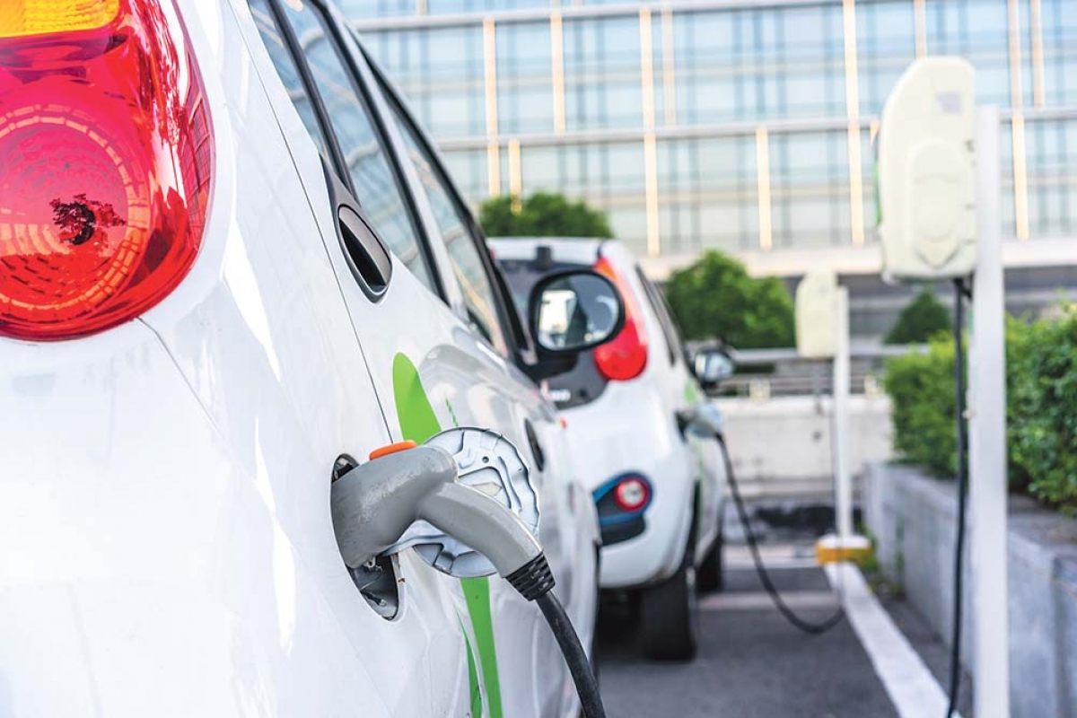 Regulators approve 3-year electric commercial fleet program in Consumers Energy case