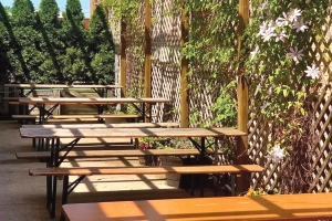 Tripelroot in Zeeland is leveraging its expanded beer garden to seat patrons amid capacity constraints for restaurants and bars.