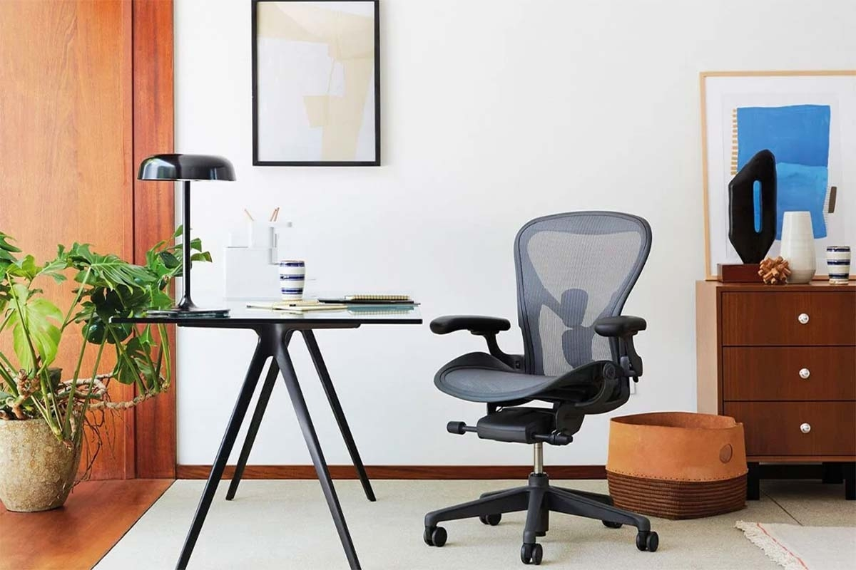 Herman Miller cuts 300 jobs